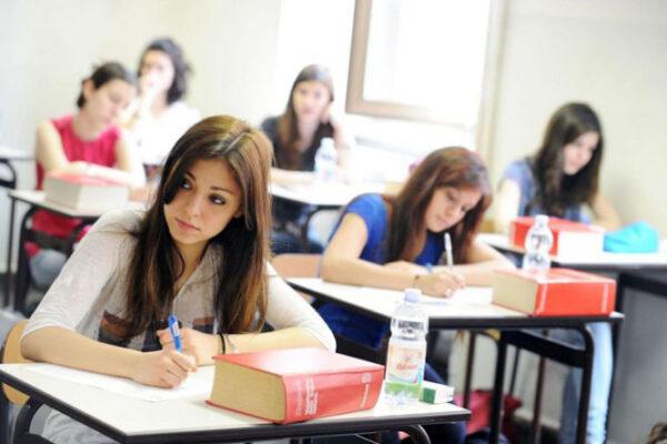 Università, la denucia: più donne laureate ma fanno meno carriera accademica
