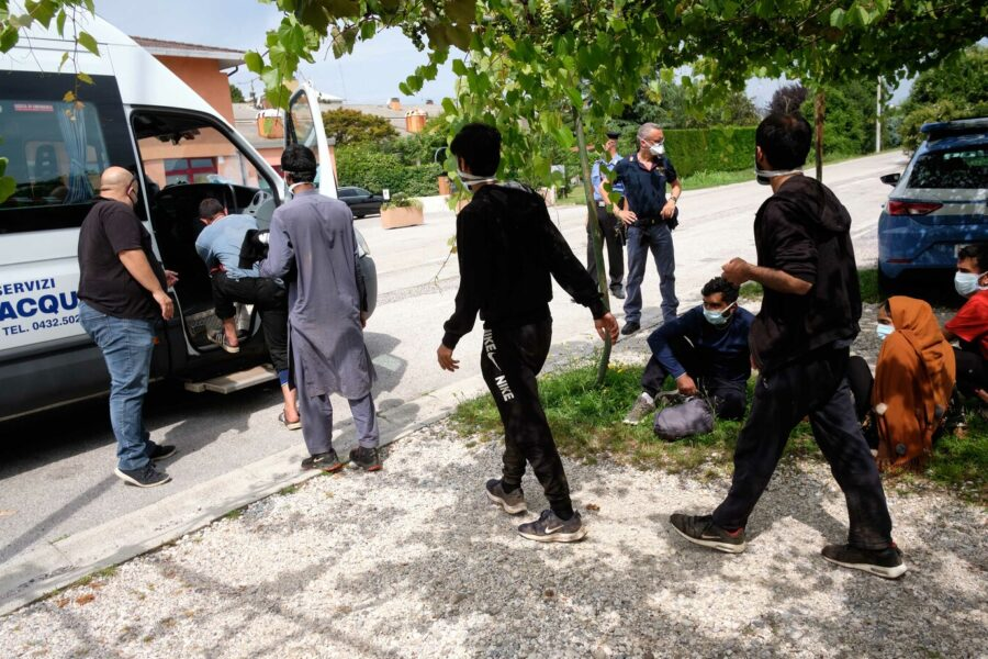 """Migranti in fuga a Caltanissetta, ritrovati 125. Musumeci: """"Rispetto per la Sicilia, non è una colonia"""""""