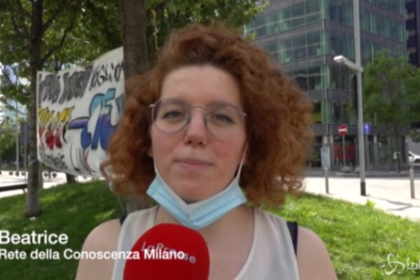 """Milano, studenti in protesta: """"Servono aiuti, non riusciamo più a permetterci le tasse univeristarie"""""""
