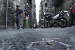 A Napoli lo Stato per vincere ha perso: ha seppellito i clan che sono stati sostituiti dalle bande