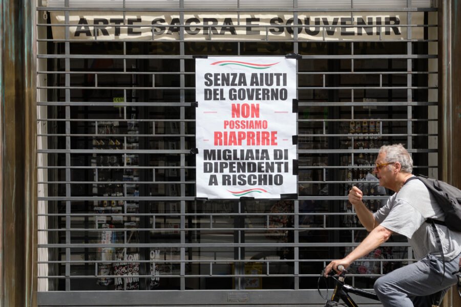 Economia in caduta libera, Italia a rischio bancarotta