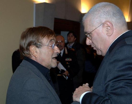 Opera biografica su Lucio Dalla, allo scrittore Raffaele Lauro il premio 'Caravella Tricolore 2020'