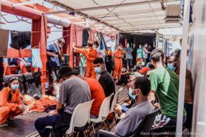 Dramma Ocean Viking, in stato d'emergenza con 180 migranti: 6 tentativi di suicidio