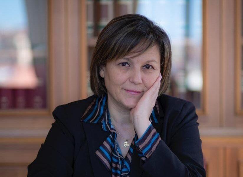 """La deputata grillina Aiello paragona testimoni di giustizia agli ebrei di Auschwitz: """"Loro fortunati a essere uccisi"""""""
