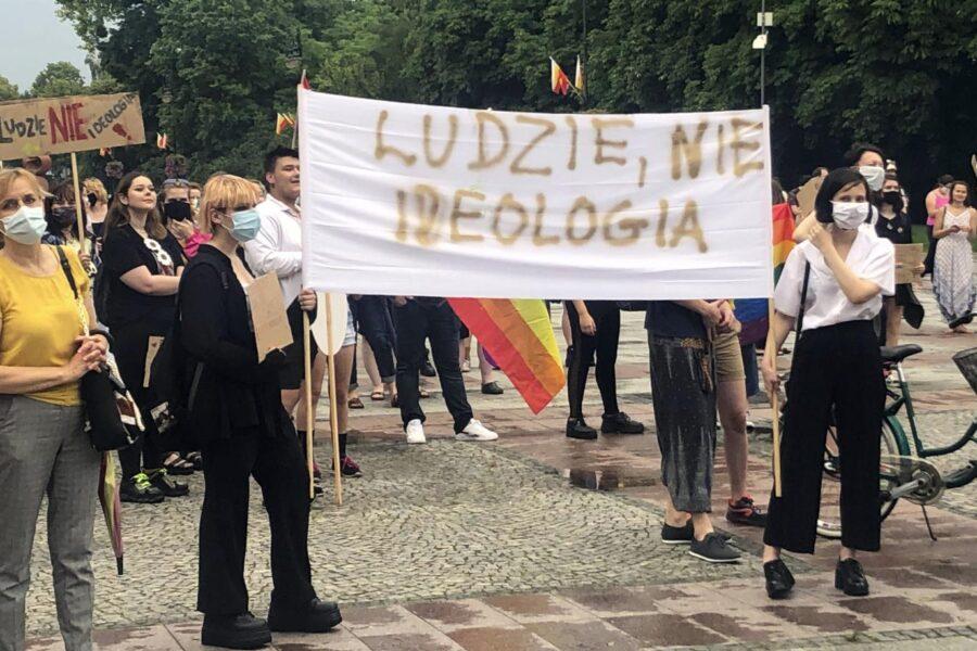 La «linea rosa»: la frontiera che divide l'Europa