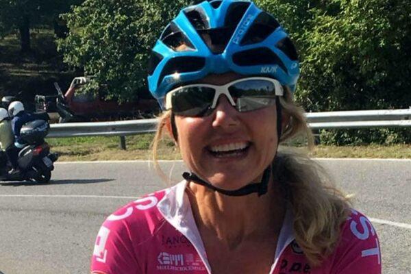 Travolta e uccisa da un camion in allenamento, morta la ciclista Roberta Agosti