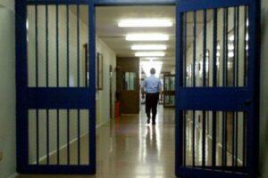 Liberiamo i penitenziari da virus e burocrazia, ecco come