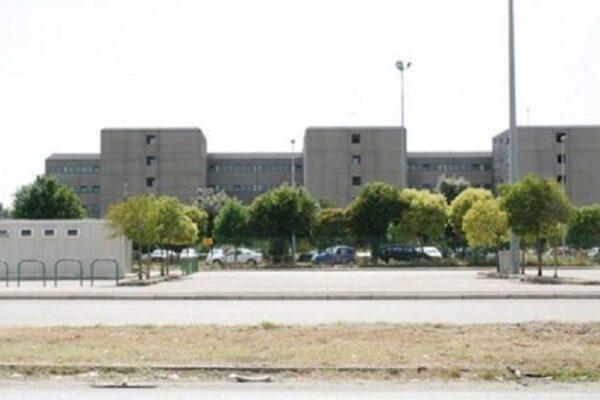"""A Santa Maria Capua Vetere il carcere è ancora senza rete idrica: """"Ma i fondi ci sono dal '96"""""""