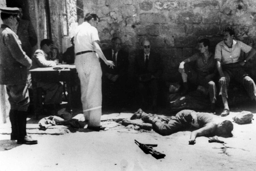 Storia d'Italia, 1950: quando le Madonne piangevano e si cantava Bandiera rossa