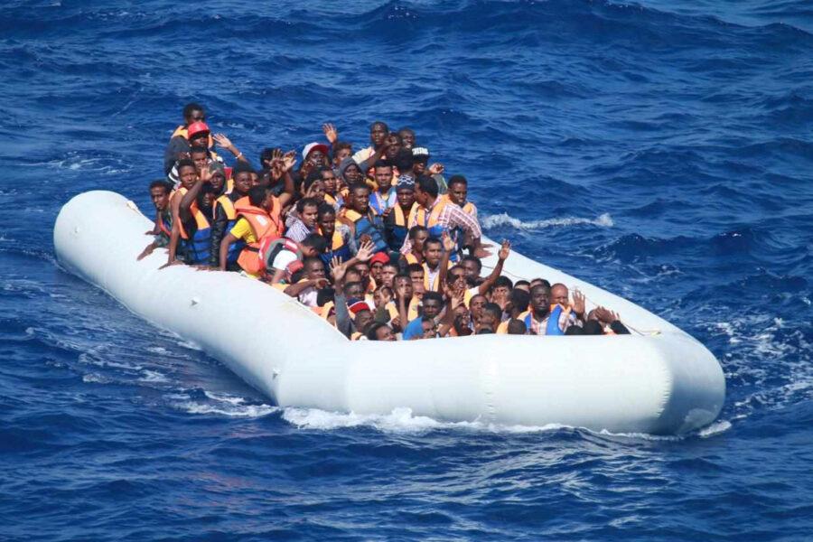 Migranti, nessuna invasione. I dati smentiscono la propaganda
