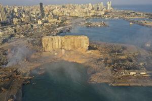 Strage Beirut, storia di un Paese in ginocchio tra disoccupazione e prezzi alle stelle