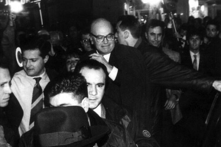 Nell'Italia dei furbi la mafia serve a far sentire migliori: basta non essere mafiosi, l'onestà non importa
