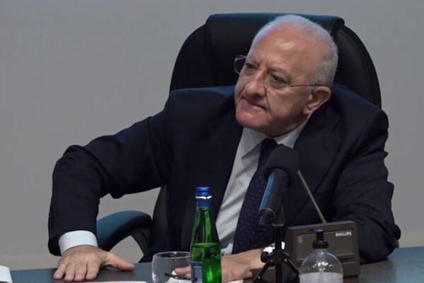 Campania, dopo Cesaro la giustizia a orologeria colpisce De Luca
