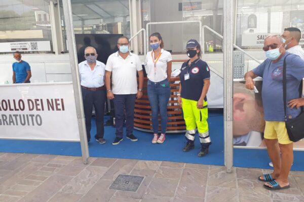 Tir della prevenzione a Palinuro, i dermatologi del Pascale visitano oltre 200 persone
