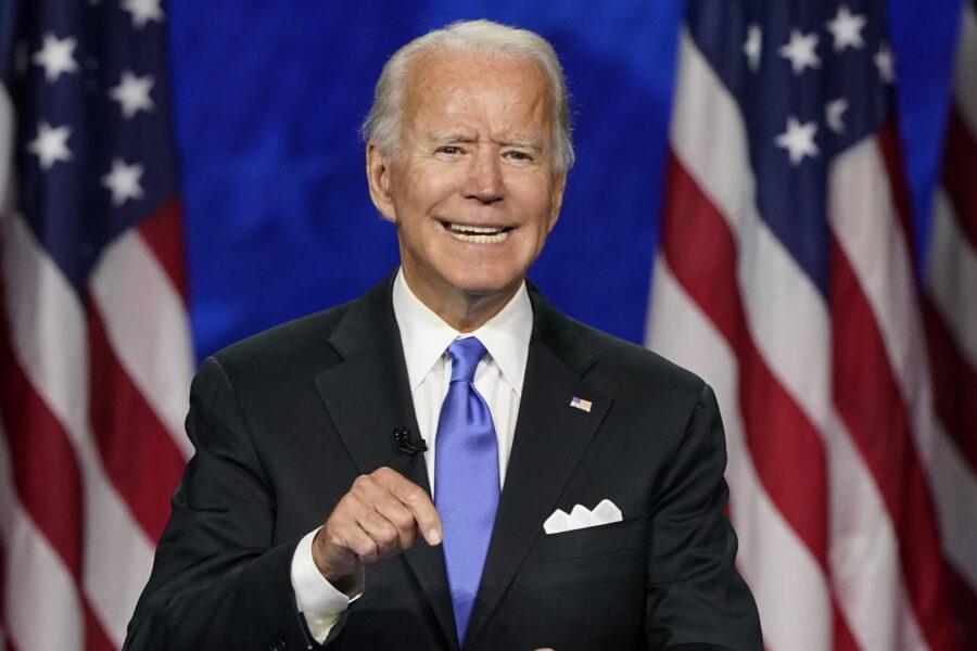 Sleepy Joe si è svegliato, Biden 'lanciato' da Michelle Obama