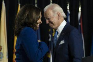 Elezioni USA, il 54% degli americani approva Kamala Harris alla vicepresidenza