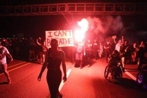 Polveriera USA, scontri tra manifestanti pro e contro Trump: un morto a Portland