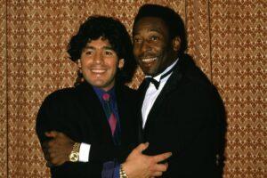 ©LaPresse Torino/Archivio storico Archivio Storico anni '80 sport calcio Diego Armando Maradona nella foto: il calciatore del Napoli Diego Armando Maradona insieme a Pelè