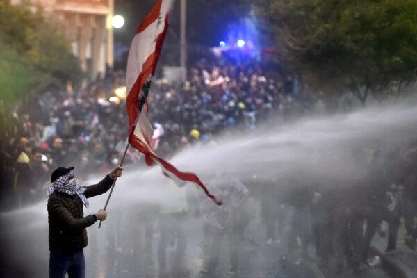 In Libano regna il caos politico, istituzionale e sociale: aleggia lo spettro della guerra