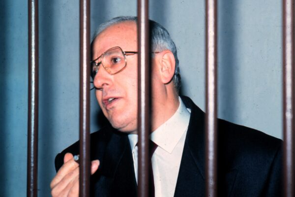 """Come sta Raffaele Cutolo? """"Silenzio di Stato"""" in attesa della morte"""