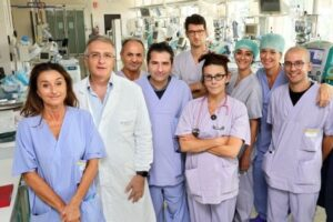 """Coronavirus, lo studio del Sant'Orsola: """"La diagnosi precoce dimezza le vittime"""""""