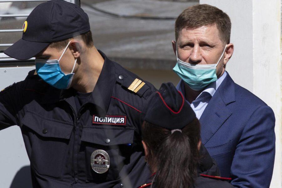 """La """"democrazia"""" in Russia, Putin fa arrestare il suo nemico: """"Hai ucciso tre volte"""""""
