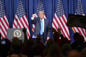 """""""Trump non accetterà mai una sconfitta"""", parla il professor Massimo Teodori"""