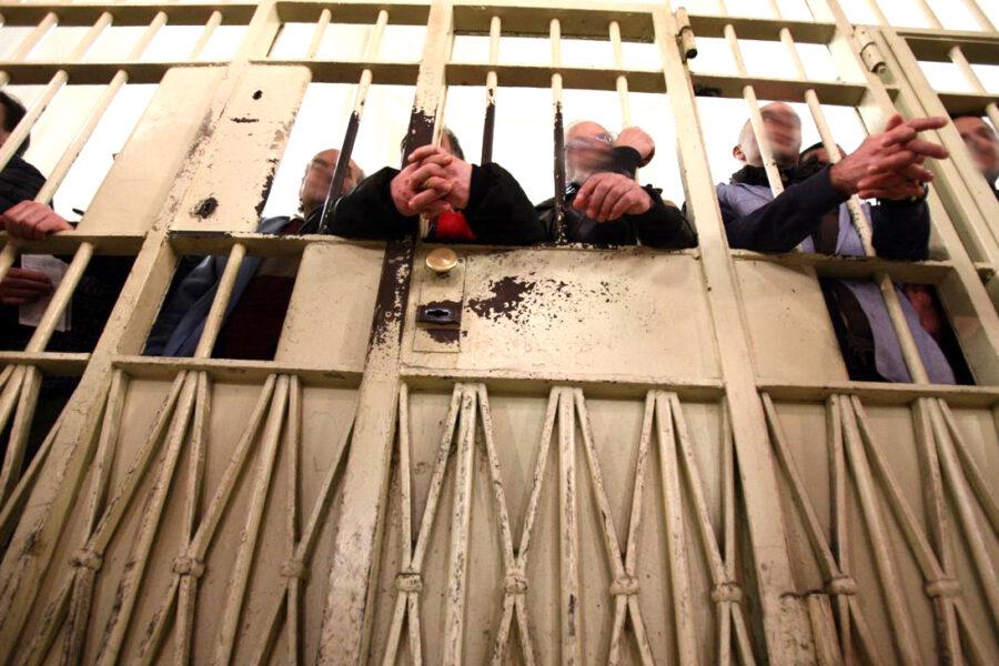 Carceri al collasso, ma metà dei detenuti è in attesa di giudizio