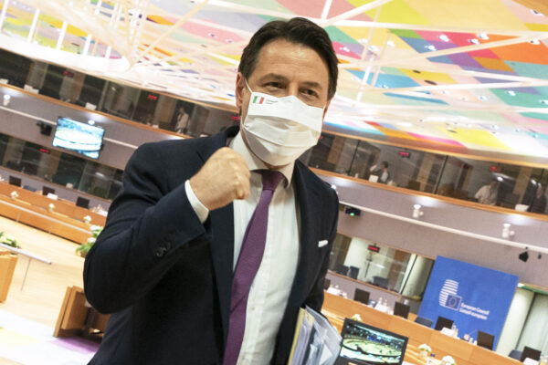 La sfida imposta dall'Europa all'Italia: attenti a non far diventare quei miliardi una vittoria di Pirro