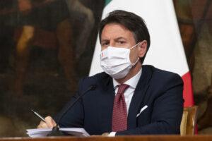 Conte vittima del travaglismo, quel vizio tutto italiano di cercare sempre un perfido complotto