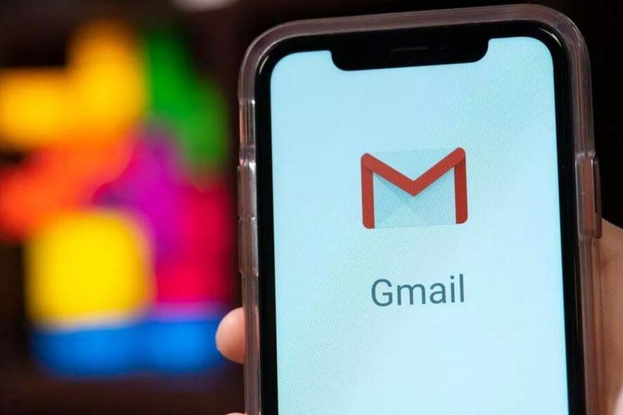 Gmail down, la posta elettronica di Google non funziona: impossibile inviare mail con allegato