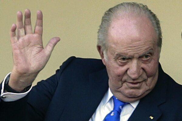 """La """"fuga"""" di Juan Carlos I e l'indignazione della Spagna. Iglesias: """"Frode contro la giustizia"""""""