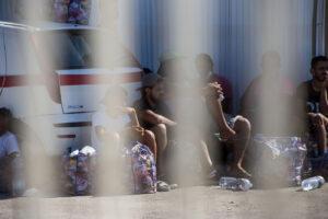 Migranti, il governo impugnerà l'ordinanza di Musumeci sullo sgombero dagli hotspot