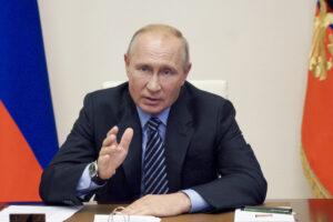 Tutti i dubbi su Sputnik, il vaccino di Putin: dai test di sicurezza mai fatti a nessuna etica