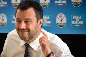 """Lombardia Film Commission, arrestati tre commercialisti vicini al Carroccio. Salvini li difende: """"Mi fido di loro"""""""