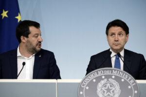 Referendum, Salvini sceglie il sì e salva Conte e il governo