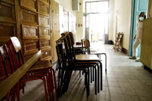 Campania, parte la petizione contro la chiusura delle scuole: domani la protesta dei genitori
