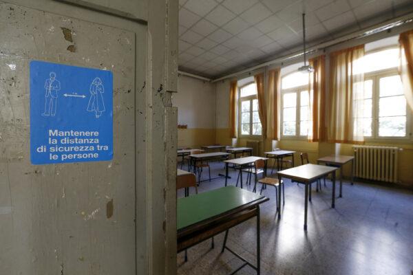 Isolamento, quarantena e un esperto anti-Covid: ecco le linee guida per la riaperture delle scuole
