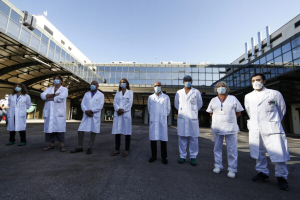 """Coronavirus, parte la sperimentazione del vaccino italiano: """"Se tutto va bene pronto in primavera"""""""
