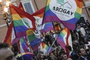 Omofobia, a Napoli è emergenza nei quartieri bene