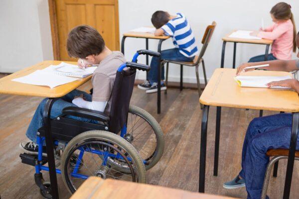 Napoli, dramma alunni disabili: mancano insegnanti di sostegno