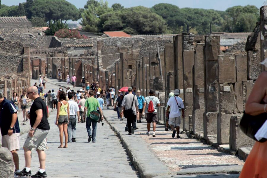 Pompei, si cerca il nuovo direttore del Parco più visitato in Italia: il bando sull'Economist