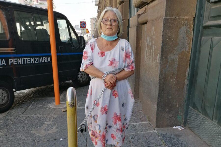 """""""Sputa sangue, sta morendo"""": la signora Margherita e il dramma del figlio Antonio"""