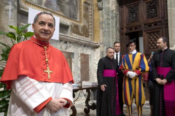 Caos in Vaticano, Papa Francesco accetta le dimissioni del cardinale Becciu