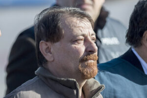 Cesare Battisti si ribella contro l'isolamento illegale: basta cibo e medicine