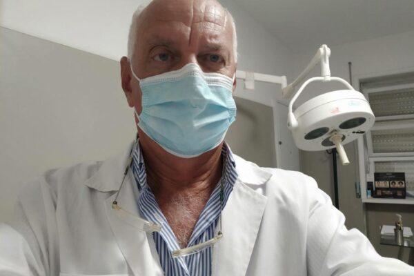 """Coronavirus, l'allarme dei chirurghi: """"Con la nuova emergenza a Napoli falsi specialisti all'arrembaggio"""""""