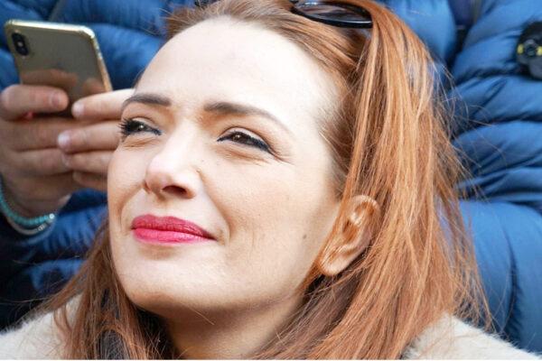 """""""Basta indagini a orologeria"""" la sardina Jasmine Cristallo contro le inchieste durante la campagna elettorale"""
