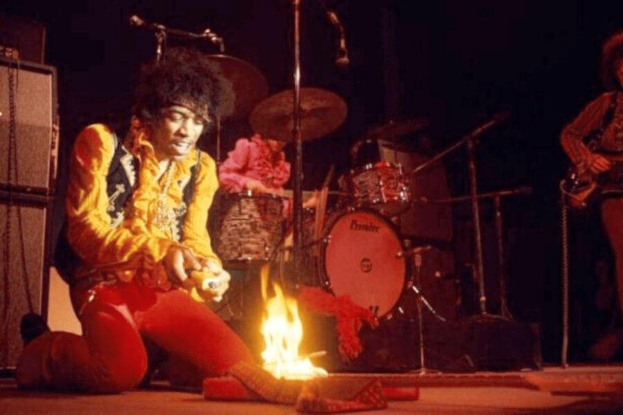 50 anni fa moriva Jimi Hendrix, e con lui se ne andò la controcultura