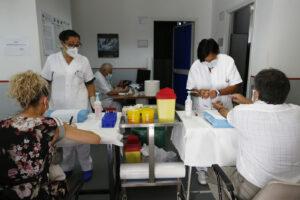 Coronavirus, quasi 4mila focolai attivi in Italia: il 77% è in famiglia