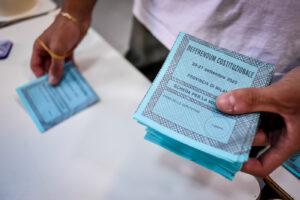 """Election Day, delegati sindaco di Napoli: """"Difficile costituire i seggi ma ce l'abbiamo fatta"""""""